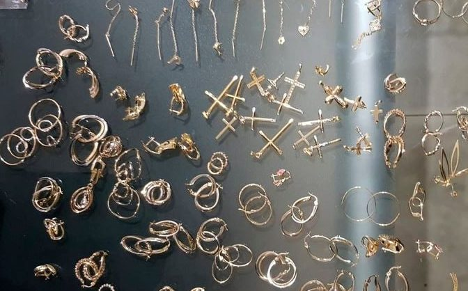 bijuterii aur politia romana