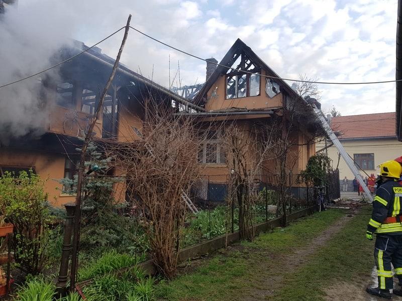 incendiu casa corunca