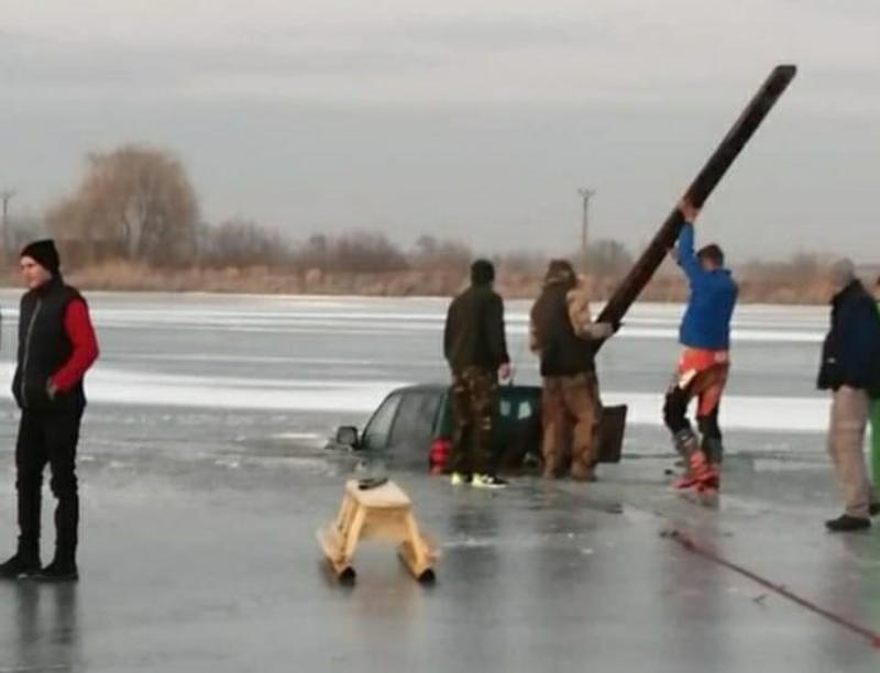masina lacul reci