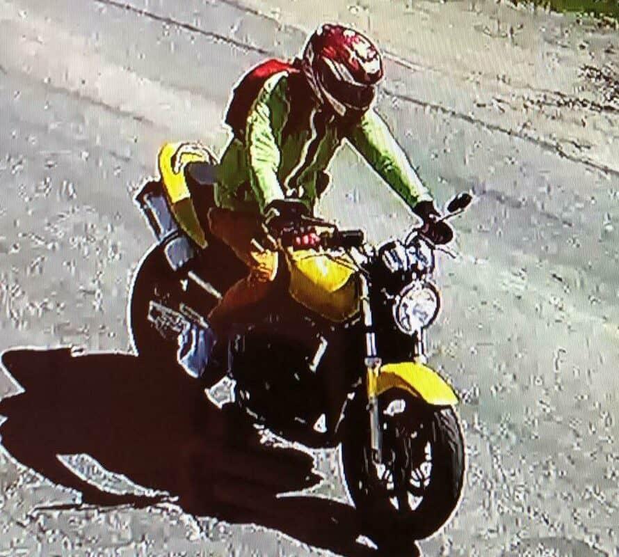 motociclist cautat politie