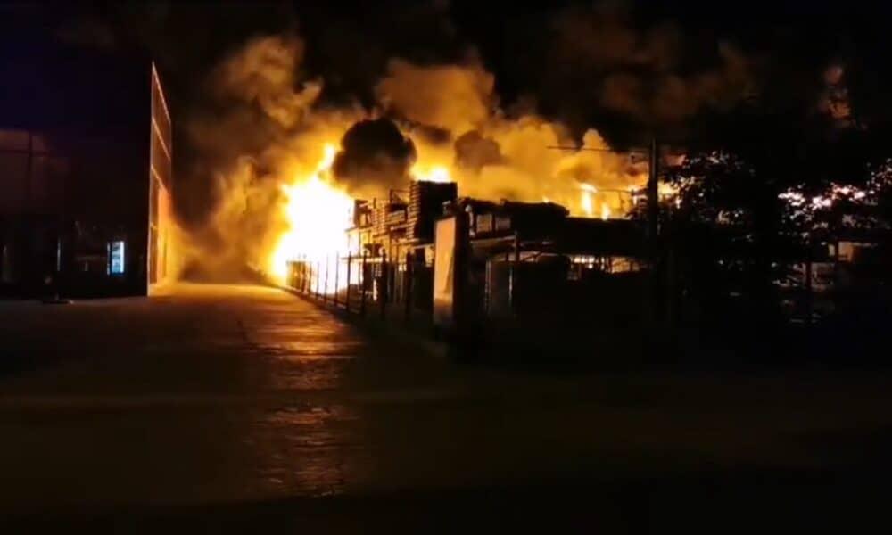 Incendiu in Iulius Mall zona food court – RaduPricop.Ro  |Incendiu Iasi